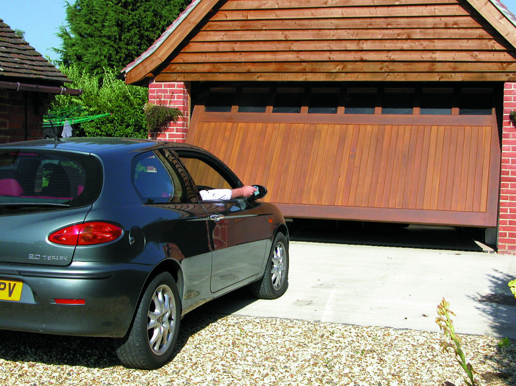eos-garage-door-application-pic