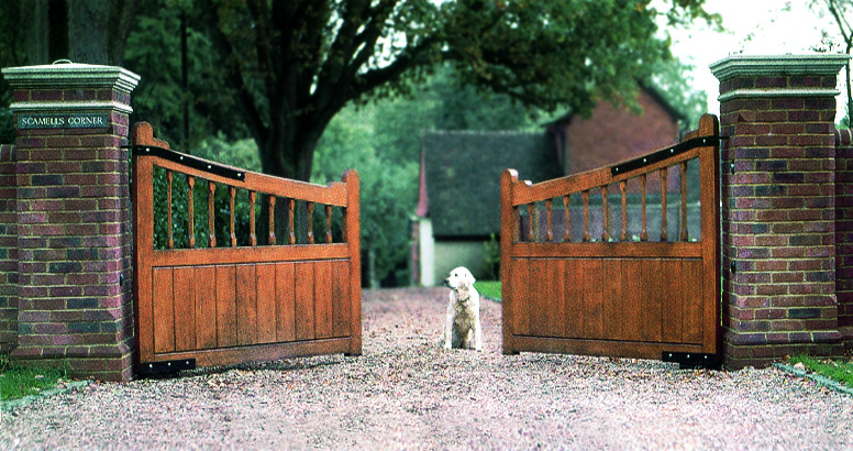 timber-gates-dog